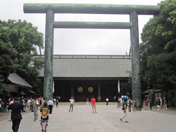 27年終戦の日、靖國神社にて戦没者礼拝01